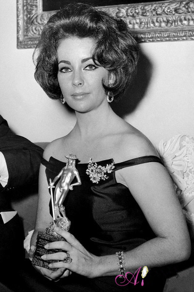 EliZAbeth Taylor's black dress