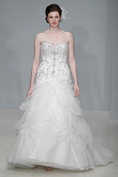 embroidery ball gown strapless wedding dress