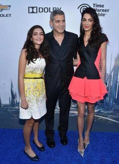 Amal Clooney's short pink skirt evening derss
