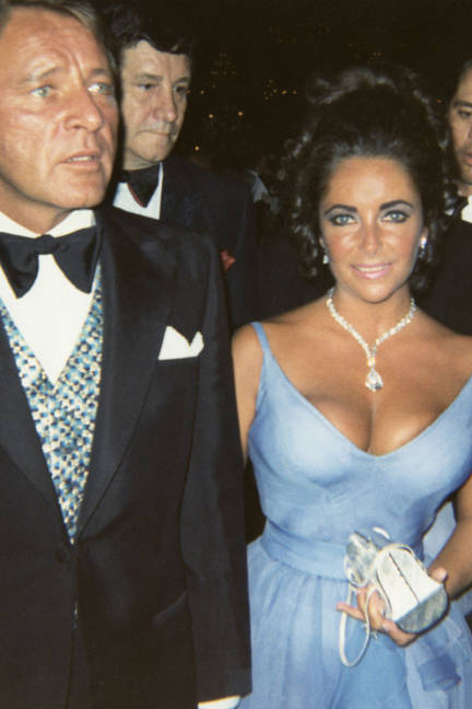 Elizabeth Taylor's blue red carpet dress