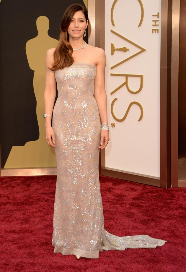 Jessica Biel's sequins red carpet dress in 2014