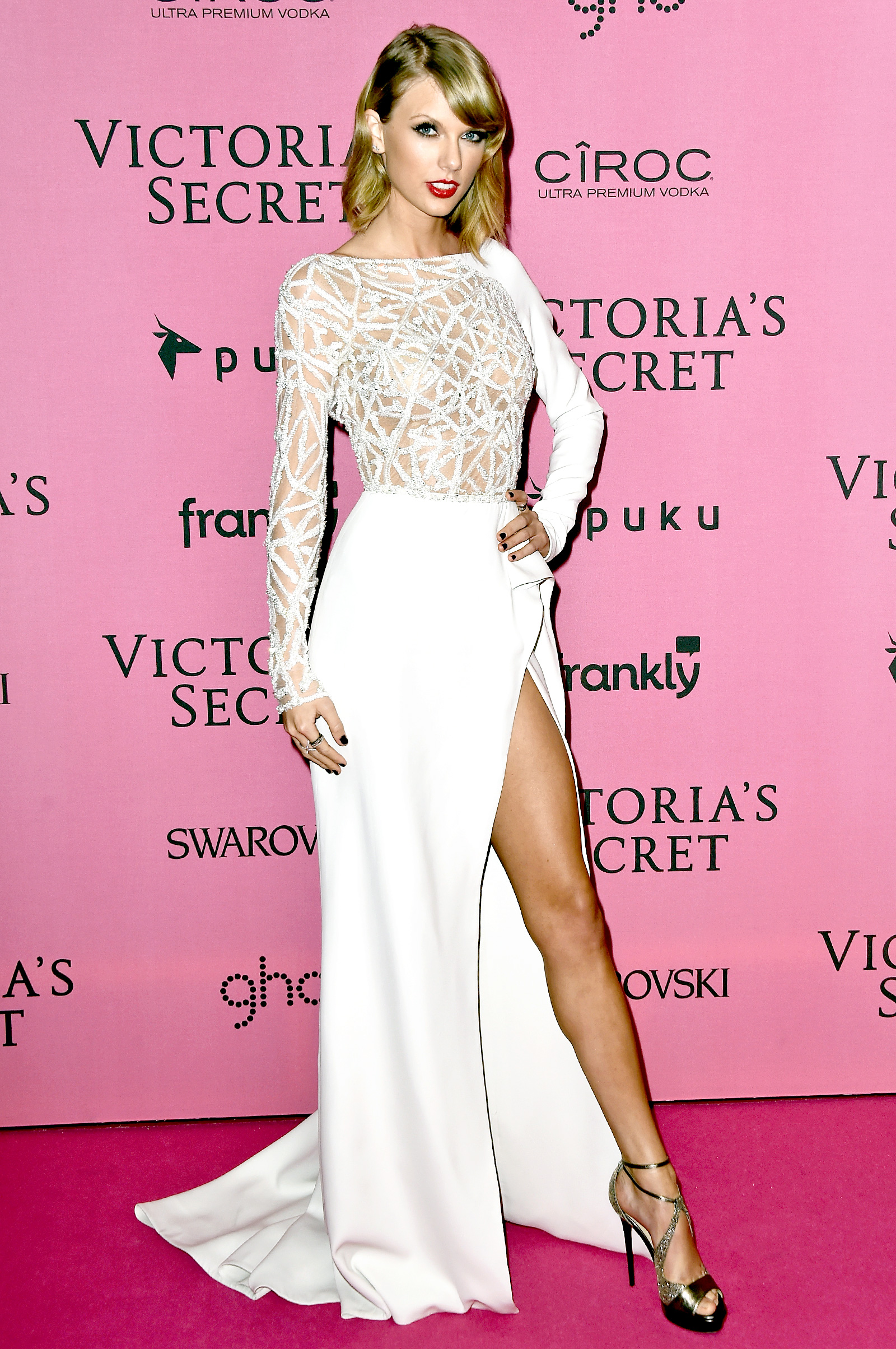 Taylor Swift's white high split prom dress